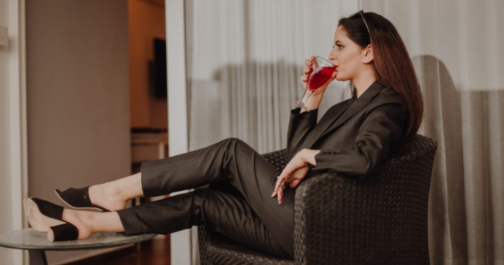 Red Wine Headache and How to Avoid It - SECCO Wine Club