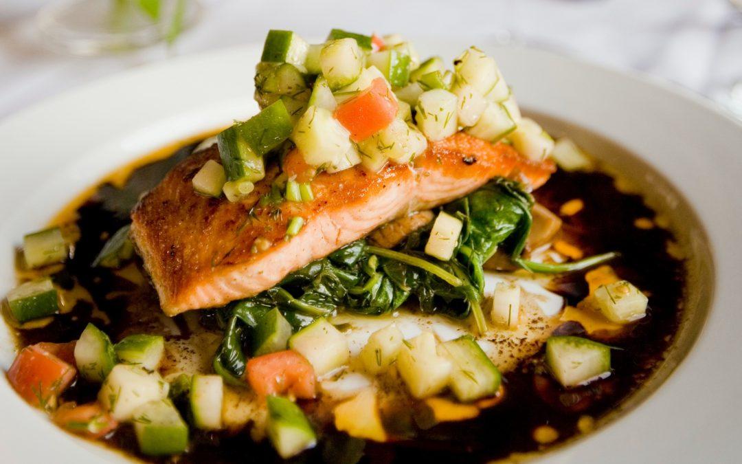 Food and Wine Pairing: Keto-Friendly Salmon with Avocado Salsa