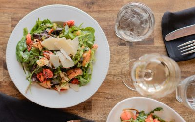 How to Perfectly Pair Salad and Wine