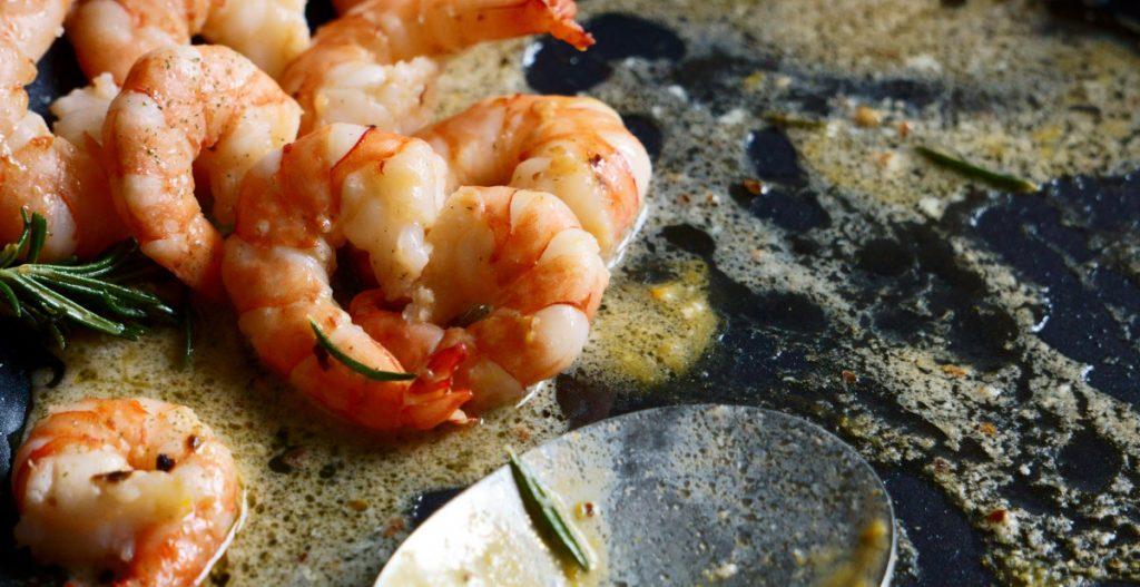 Celebrate Beach Day with Garlic Butter Shrimp and White Wine   SECCO Wine Club