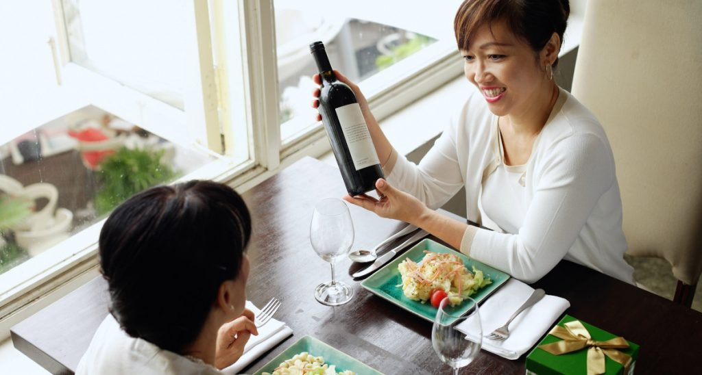 Share memories and wine on Mother's Day - SECCO Wine Club